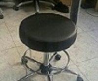 صندلی آزمایشگاهی تابوره