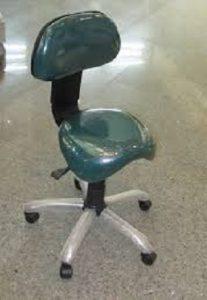 صندلی مناسب آزمایشگاهی